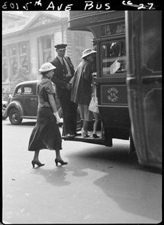 NYC. Vintage photograph. Taking the bus in  5th Ave. Nice shot!