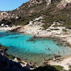 FOTO DI SARDEGNA: Isola di Spargi, Cala Corsara Corsica, Amazing Nature, Vacation Spots, Places To See, Travel Photos, Seaside, Beaches, Beautiful Places, Landscapes