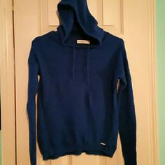 Abercrombie & Fitch hooded sweater (183) Abercrombie & Fitch hooded sweater super comfy Abercrombie & Fitch Sweaters