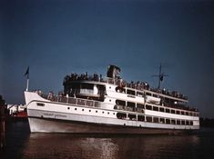 The Wilson Line's S.S. Mount Vernon to Marshall Hall Amusement Park (1940s-1950s).