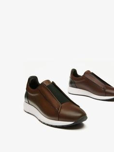 Fall Winter 2017 Men´s BROWN LEATHER BROGUE SNEAKERS at Massimo Dutti for 64.95. Effortless elegance!