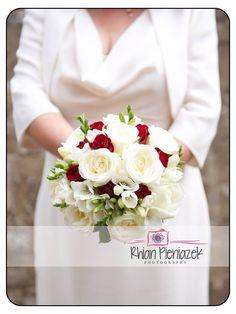 Wedding bouquet. Rhian Pieniazek Photography 2014.