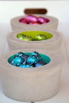 ....oder alternative Osternester aus Beton, das ist heute die Frage? Diese drei kleinen Schalen in Limette, Türkis und Pink, gefüllt mit ...
