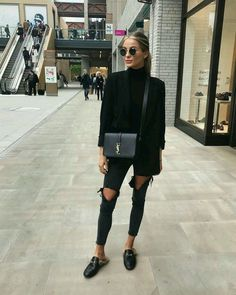 Black Outfit Ideas all black outfits 2019 outfit diy Black Outfit. Here is Black Outfit Ideas for you. Black Outfit black outfits that are slimming stunning and simple. Black Outfit the most stylish all . Mode Outfits, Casual Outfits, Fashion Outfits, Fashion Clothes, White Outfits, Dress Fashion, All Black Outfit Casual, Black Loafers Outfit, Woman Outfits