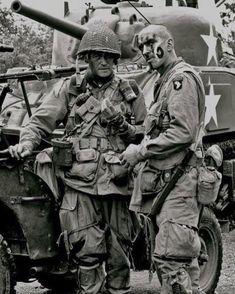 Airborne Division at Utah Beach - Photo Military Photos, Military Art, Military History, Airborne Army, 101st Airborne Division, Image Avion, Ww2 Photos, Ww2 Pictures, Man Of War