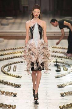 Fashion Week Automne/Hiver 2016 Haute couture Paris - Défilé Iris Van Herpen