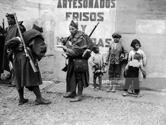 Spain - 1936. - GC - Nationalist Soldiers Having Something To Eat In The Streets Of Alcorcon, A Suburb South Of Madrid,On November 16, 1936. Faced With The…