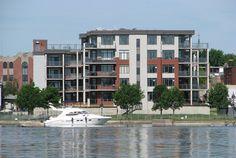 Projet Domiciliare - Le Havre du Richelieu, Condominiums sur la rivière La Rive, Laval, Loft, Construction, Le Havre, Condominium, Multi Story Building, House Styles, Home Decor