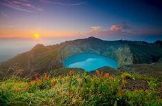 Kelimutu Volcano, Flores Island, Indonesia (via Best Earth Pics on Twitter)