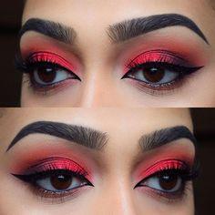 Red eyeshadow eye makeup for green eyes