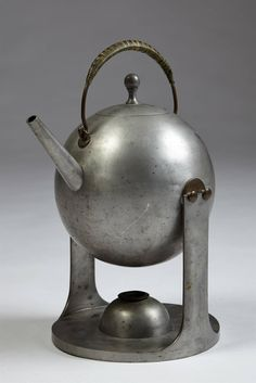 View this item and discover similar for sale at - Teapot in pewter, anonymous for Svenskt Tenn, Sweden. Teapot Design, Teapots And Cups, Chocolate Pots, Metal Art, Pewter, Tea Time, Tea Party, Tea Cups, Porcelain