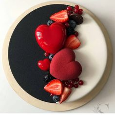 black & white cake with heart cake and berries❤❤❤ by Its so glamour! Food Cakes, Cupcake Cakes, Cupcakes, Pretty Cakes, Beautiful Cakes, Amazing Cakes, Heart Cakes, Valentine Cake, Valentines