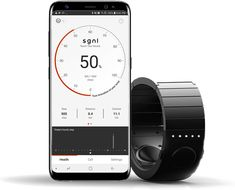 L'entreprise coréenne Innomdle Lab (passée par l'incubateur Samsung) présente son bracelet Sgnl. Il est compatible avec plusieurs montres connectés comme l'Apple Watch et la Samsung Gear, et pourra être testé dès le premier trimestre 2018 par ceux ayant contribué sur les plateformes de crowdfunding. Il sera ensuite vendu 249 dollars.
