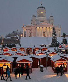 El Mercado de Navidad de St. Thomas en Helsinki, Finlandia.