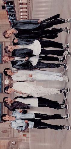 "Bts Wallpaper ""ON"" – funny photo Foto Bts, Bts Taehyung, Bts Bangtan Boy, Jimin Jungkook, K Pop, Die Beatles, Bts Pictures, Photos, K Wallpaper"
