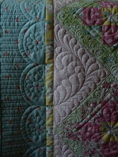 Border: Piano keys meeting another design Needle in a Quiltstack