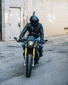 GLOSS BLACK // KNOX HELMET SET - The Equilibrialist Harley Bikes, Motorcycle Design, Visors, Black Flats, Making Out, Helmet, Old Things, Alternative Energy, Size Chart