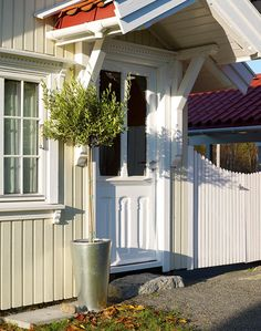 Velg riktig farge til ditt hus - Byggmakker Home Focus, House Colors, Craftsman, Pergola, Cottage, Exterior, Outdoor Structures, Windows, Outdoor Decor