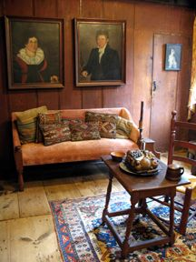 Early American Style Sofas Knislinge Sofa Idhult Black 10 Best Images Farmhouse Interior Vintage Showcases Raised Panel Walls Barn Wood Floor