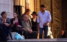 LAS CADERAS TABASCO: Nuevas fotos: Shakira de compras en Paris, Francia...