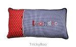 Was soll ich einem Kind schenken? Ein handgemachtes Namen Kissen 35x70cm lang und dunkelblau TrickyBoo.