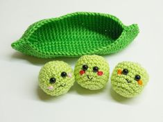 Kawaii Peas - Peas in a pod toy Gifts for Best FriendsGifts for TwinsGifts for New Mothers Kawaii Giftgift for baby Amigurumi Funny vegetable with little eyes. Kawaii Crochet, Crochet Food, Crochet Gifts, Cute Crochet, Crochet Projects, Sewing Projects, Gifts For New Mothers, Kawaii Gifts, Diy Baby Gifts