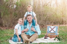 A Whimsical Spring Family Session by Lyn Michael Photography