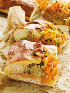 Cake with stewed cabbage and carrots - La Torta con cavolo e carote stufate è l'idea jolly, dal sapore rustico, per un apericena, un brunch o un picnic: servita fredda è quasi più buona! #tortacavolocarote