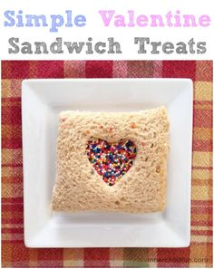 What a simple way to make lunch time special! Valentine's Day Treats Sandwich -- so CUTE!! <3