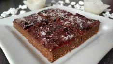 Karobovo-slivkový koláč Zdravo, Pie, Desserts, Food, Basket, Torte, Tailgate Desserts, Cake, Deserts