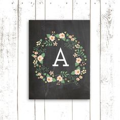 Fleur Art Print avec monogramme - Couronne Art Print - personnalisé pépinière typographie Chalkboard Print