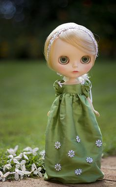 daisy sprinkle - green by JennWrenn, via Flickr