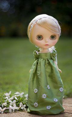 daisy sprinkle - green by JennWrenn, via Flickr
