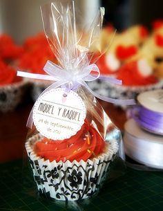 * Art by Chela *: Cupcake soaps