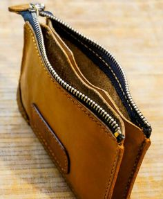 Handmade wallets and card holders.- Кошельки и визитницы ручной работы. Женский… Handmade wallets and business card holders. Leather Bag Tutorial, Leather Wallet Pattern, Handmade Leather Wallet, Leather Gifts, Leather Pouch, Leather Tooling, Leather Craft, Leather Purses, Leather Handbags