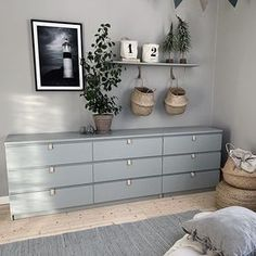 10 DIY IKEA-hacks, der sparer dig for mange penge & Ikea Kids Bedroom, Ikea Bedroom Furniture, Ikea Bedroom Storage, Office Storage Furniture, Bedroom Hacks, Ikea Storage, Home Bedroom, Furniture Makeover, Diy Furniture
