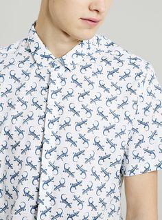 Short Sleeve Lizard Print Smart Shirt — close up detail
