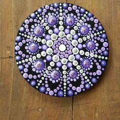 Dot Art Painting, Mandala Painting, Pebble Painting, Pebble Art, Stone Painting, Mandala Painted Rocks, Mandala Rocks, Painted Stones, Mandala Canvas