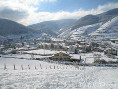 Precioso pueblo de la montaña de navarra (Leitza) donde disfrutar del invierno. http://www.raudo.com/f/casa-rural-lizartzanea/1128