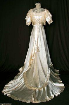 SILK SATIN & LACE WEDDING GOWN, 1912-1914