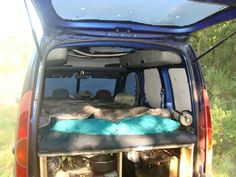 Kangoo Bivouac: La Cabane à Roulettes de PierreDuSud!