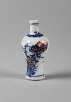 Miniature Vase Qing dynasty (1644–1911), Kangxi period (1662–1722) Date: 18th century Culture: China