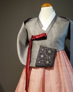 𝗕𝗗𝗞 MINT hanbok (@bdkmint) • Instagram photos and videos Philadelphia Shopping, Silk Fabric, Custom Made, Hand Embroidery, Groom, Photo And Video, Aunt, Sleeves, Handmade