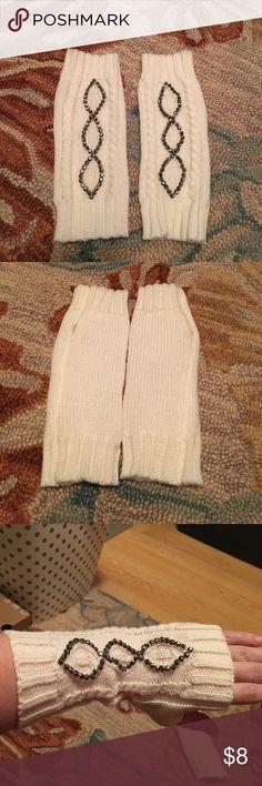 NWOT Fingerless Gloves Never worn, only tried on.  Super cute & jeweled sweater material fingerless gloves.  Adds a little something extra to your winter outfit. Accessories Gloves & Mittens