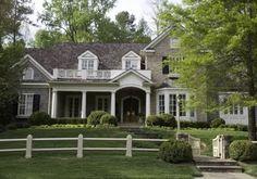 . Kitchen Arrangement, Up House, House Floor, Classic House, Plein Air, Beautiful Bathrooms, My Dream Home, Dream Homes, Exterior Design
