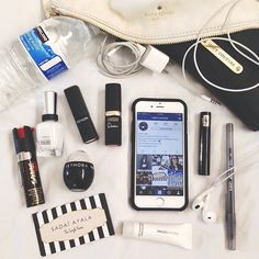 Frey de Fleur | Luxury Lifestyle Blogger | What's In My Bag Inspiration