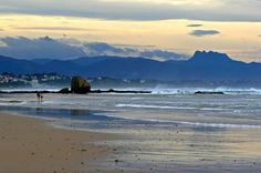 Les plages de Biarritz, #France #biarrits #paysbasque Watercolor Water, Ville France, Basque Country, Beach Landscape, Aquitaine, France Travel, Weekend Getaways, Dream Vacations, Beautiful Landscapes
