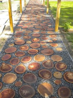 40 Simply Amazing Walkway Ideas For Your Yard Garden walkways act as the backbone of landscape design, providing a sense of structure. Browse ideas of 40 unique backyard and front yard walkways. Garden Stones, Garden Paths, Walkway Garden, Amazing Gardens, Beautiful Gardens, Landscape Design, Garden Design, Path Design, Design Ideas
