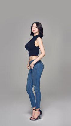 Pretty Korean Girls, Cute Asian Girls, Beautiful Japanese Girl, Beautiful Asian Girls, Mens Smart Casual Outfits, Korean Girl Fashion, Cool Poses, Cute Girl Photo, Korean Actresses