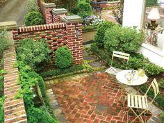 Csendes kis hátsóudvar - kert / udvar ötlet